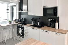 SAAREKE-KEITTIÖ KUVIA 6 – Puustellin Keittiögalleria Kitchen Cabinets, Home Decor, Decoration Home, Room Decor, Cabinets, Home Interior Design, Dressers, Home Decoration, Kitchen Cupboards