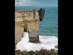 house hanging on the cliffs - Buscar con Google