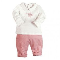 En nuestra colección priman los algodones y prendas muy fáciles y cómodas de poner. No te compliques