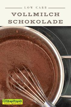 Schokolade ohne Zucker selber machen, die auch noch richtig lecker schmeckt? Das geht - Und zwar mit diesem Rezept für Low Carb Schokolade mit Erythrit bzw. Xucker Light! Hol dir jetzt das Rezept auf www.staupitopia-zuckerfrei.de  #schokoladeohnezucker #schokolade #schokoladeselbermachen #erythrit #staupitopia