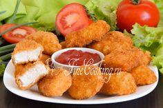 Хочется мяса, сочного и вкусного, да еще чтобы рецепт был простой и быстрый? Пожалуйста! Сегодня приготовим блюдо американской кухни, которое уже давно полюбилось во всем мире - домашние куриные наггетсы.