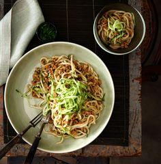 Minced pork tossed noodles (Zhajiang mian) |