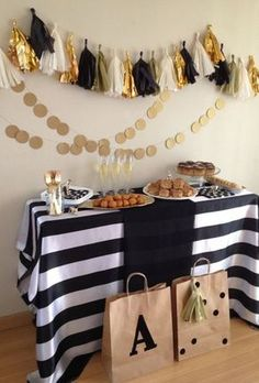 Black White Gold Party Decorations Tissue Paper Pom Pom Paper Tassel Garland Paper Circle Garland for Great Gatsby Decorations/ New Year's Eve Party /Birthday Decorations/Bridal Shower Decorations Decoration Birthday, Gold Party Decorations, Wedding Decorations On A Budget, Baby Shower Decorations, Shower Centerpieces, Food Decorations, Decor Wedding, Wedding Ideas, Black Gold Party