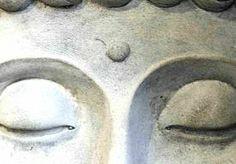 22-Apr-2014 13:33 - TOERISTE MAG SRI LANKA NIET IN OM TATTOO. Een Britse toeriste die naar Sri Lanka wilde reizen, is door de douana toegang tot het land geweigerd. Niet vanwege drugs. Niet vanwege een crimineel verleden. Maar omdat ze een tatoeage van Boeddha op haar arm had, kwam ze niet verder dan het internationale vliegveld van de hoofdstad Colombo. Naomi Michelle Coleman werd gearresteerd en in afwachting van deportatie vastgezet in een uitzettingscentrum, meldt de BBC vandaag.