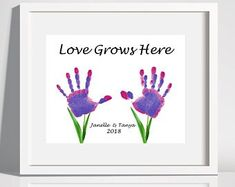Helping me grow Flower Handprints Gift for grandma Happy Mothers Day Crafts For Kids, Fathers Day Crafts, Mothers Day Cards, Fun Crafts For Kids, Projects For Kids, Art For Kids, Daycare Crafts, Kid Art, Diy Father's Day Crafts