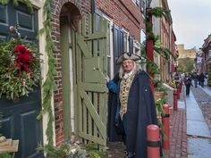 Save The Date: Elfreth's Alley To Host Its Annual Deck The Alley Holiday Open House On Saturday, December 7 Pennsylvania History, Visit Philadelphia, Philly Style, Promotional Events, Cross Country Skiing, What A Wonderful World, Historic Homes, Open House, Wonders Of The World