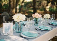Tischdekoration - weiß & helles rosa, farbiges Glas