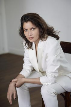 ⊱ Laetitia Casta ⊱ Guess Girl, Laetitia Casta, Beauty Around The World, French Beauty, French Actress, Vogue Magazine, Beauty Women, Actors & Actresses, Style Inspiration