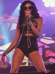 fuckyeahfamousblackgirls:    Azealia Banks performs at BBC Radio 1 Hackney Weekend