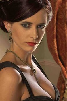 "Eva Green jako Vesper Lynd (""Casino Royale"")"