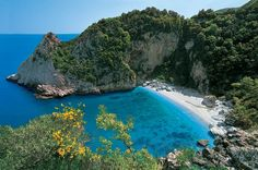 Fakistra beach on Pelion peninsula and St George beach on Naxos island are included in the top 50 beaches worldwide