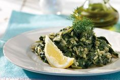 Amateur Cook Professional Eater - Greek recipes cooked again and again: Spanakoryzo - Braised spinach and rice in lemon sauce Side Dish Recipes, Rice Recipes, Vegetable Recipes, Cooking Recipes, Healthy Recipes, Cooking Dishes, Vegetable Sides, Healthy Meals, Veg Dishes