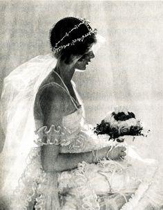 1920 bride - De Meyer. Couronne de pampilles et voile bas