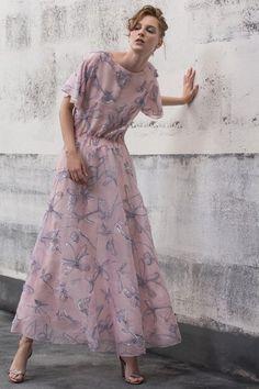 a2bcc3bff210 Giorgio Armani Resort 2019 Milan Collection - Vogue Moda Da Passerella
