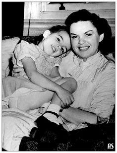 Liza Minnelli and Judy Garland.