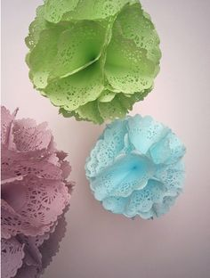 Doily flower balls for decoration. I have to try this!