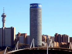 Ponte City l Hillbrow l l Johannesburg Skyline, City Scene, City Apartments, Africa Travel, Willis Tower, Continents, Wonderful Places, South Africa, Landscape Photography