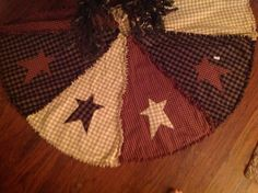 Raggy Primitive Americana Christmas Tree Skirt by kbardo on Etsy, $48.00