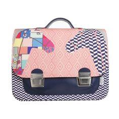 Die Kombination von geometrischen Motiven und lieben Retro Illustrationen machen von dieser Schultasche den Blickfängerdes Pausenhofes.