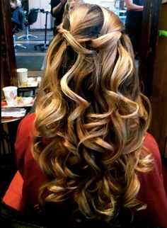 hair: color and style. This would be good for a fall hair color Love Hair, Great Hair, Gorgeous Hair, Amazing Hair, My Hairstyle, Pretty Hairstyles, Hairstyle Ideas, Non Blondes, Big Curls