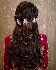 120 bridal hairstyles for your wedding and related ceremonies! - My list of women's hairstyles Mehndi Hairstyles, Open Hairstyles, Wedding Hairstyles For Long Hair, Party Hairstyles, Simple Hairstyles, Bridesmaid Hairstyles, Trending Hairstyles, Bridal Hairstyle For Reception, Quince Hairstyles