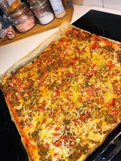 Tupun tupa: Pellillinen texmexpizzaa Pepperoni, Vegetable Pizza, Cheese, Vegetables, Food, Veggies, Essen, Vegetable Recipes, Yemek