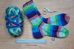 7 kroků pletení ponožek + tabulka velikostí a ok nahození