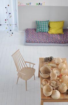 Old mattresses as a reading area (Le dans la)
