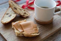 Slik lager du perfekt julekake   Coop Marked Cheese, Food, Essen, Meals, Yemek, Eten