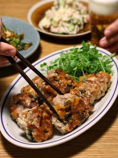 節約食材の豚こまで簡単!がっつり!のりチーズ焼き Japanese House, Japanese Food, Home Recipes, Asian Recipes, I Want To Eat, Beauty Recipe, Korean Food, Lunches And Dinners, Bento