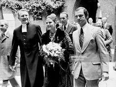 King Carl Gustav XVI of Sweden and Queen Silvia visit the Swedish School in Paris, France, on November 9, 1976.
