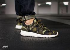 brand new 704c6 aa7f8 Nike Shoes – Roshe One Print Green 655206-303 Mens Sport Urban Street 41 EU    8 US   7 UK 26 Cm   eBay