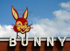Behold - the bunny! The Bunny Bread sign from Anna, Illinois. Roadside Signs, Roadside Attractions, Advertising Signs, Vintage Advertisements, Bunny Bread, Sign O' The Times, Vintage Neon Signs, Fun Signs, Oldschool