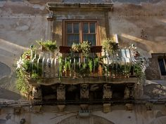 Typical balcony Ortygia Syracuse #Sicily August 08 | by RoCam
