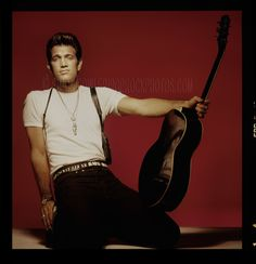 chris isaak 4 from £ 49 chris David Lynch, Beautiful Songs, Beautiful Men, Sailor Et Lula, Big Songs, Chris Isaak, Wicked Game, People Laughing, Sing To Me