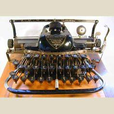 The Virtual Typewriter Museum: Blickensderfer 7