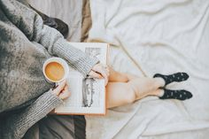 Looking for the best books for self-discovery? These nine personal development books will shift your perspective, cultivate self awareness and change your life. Reading Lists, Book Lists, Reading Goals, Reading Time, Reading Nook, Good Books, Books To Read, Big Books, Data E Hora