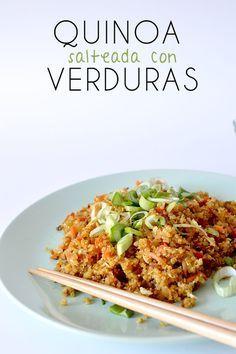 Esta receta de quinoa esta realmente deliciosa y harás que te olvides del arroz salteado, con muchas verduras y huevo, perfecta