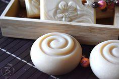 nature I Handmade Coconut Milk Soap Diy Shampoo, Diy Lip Balm, Soap Molds, Soap Recipes, Natural Cosmetics, Handmade Soaps, Soap Making, Coconut Milk, Diy Beauty