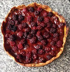 """Experimente este cheesecake vegan e se derreta com o sabor do recheio e a """"crocância"""" da massa. Bom apetite!"""