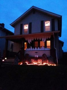 amazing 15 scary halloween decorations ideas in 2016 - Best Halloween Decorated Houses