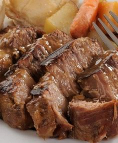 Old fashioned pot roast Receitas Gostosas – Yemek Tarifleri – Resimli ve Videolu Yemek Tarifleri Beef Pot Roast, Slow Cooker Roast, Roast Beef Recipes, Meat Recipes, Slow Cooker Recipes, Crockpot Recipes, Cooking Recipes, Healthy Recipes, Healthy Meals