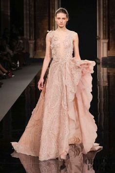 Ziad nakad haute couture spring summer 2017 gowns, oh such b Haute Couture Style, Couture Mode, Couture Fashion, Runway Fashion, Glamorous Dresses, Elegant Dresses, Nice Dresses, Couture Dresses, Women's Fashion Dresses