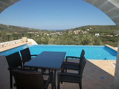 Find your haven in Crete in wonderfully newly built villas in the peaceful village of Sirili, Kolymbari area, prefecture Chania. 23 km from the airport of Chania, offering a spectacular sea and mountain view on 1500 sqm land, property size 250 m², 4 Beds, 2 Bathrooms. Elegantly fitted kitchen, bathrooms and wardrobes. Price: €300,000