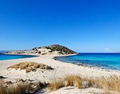 Simos beach auf Elafonissos in Griechenland Crete Beaches, Famous Beaches, Paradise On Earth, Greece Islands, Exotic Places, Greece Travel, Greece Trip, Beach Fun, Countryside