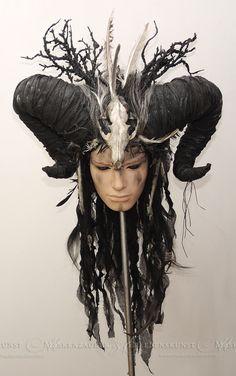 Larp-Headdress // Voodoo // Ram-Horns // Ritual-Kopfschmuck mit Hörnern // Larp-Accessoire // Gothic Fashion von Maskenzauber auf Etsy