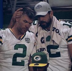 Mason and Aaron Go Packers, Packers Football, Football Memes, Football Season, Green Bay Packers, Football Players, Football Stuff, Aaron Rogers, Men In Uniform