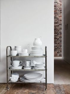 At Home With Chrissie Rucker, Founder of the White Company - Luxury Pool House Photos Alice Coltrane, The White Company, Metal Bar Cart, White Books, Timber Flooring, White Aesthetic, Ladder Bookcase, Maine House, Elle Decor