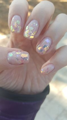 Semi-permanent varnish, false nails, patches: which manicure to choose? - My Nails Foil Nail Art, Foil Nails, Nails With Foil, Foil Art, Cute Nails, Pretty Nails, Hair And Nails, My Nails, Dark Nails