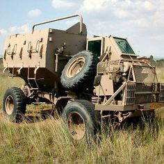 The Primary fighting vehicle of 52 Bn. Bobby installed the first command Buffel with radios to operate as a Bn Tactical HQ vehicle. Mercedes Benz Forum, Mercedes Benz Unimog, Army Vehicles, Armored Vehicles, Safari, Bug Out Vehicle, Defence Force, Military Equipment, Military Weapons